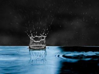 Salpicaduras en la lluvia