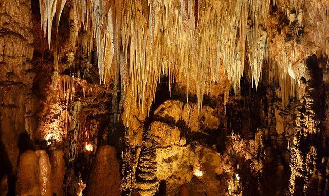 Cueva de Valporquero, sede del Geolodía en León